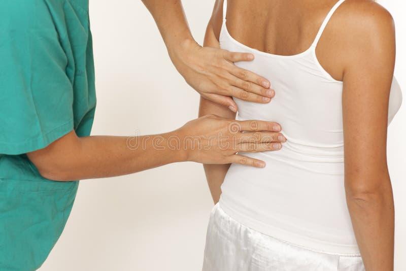 Examen de la espina dorsal imagen de archivo