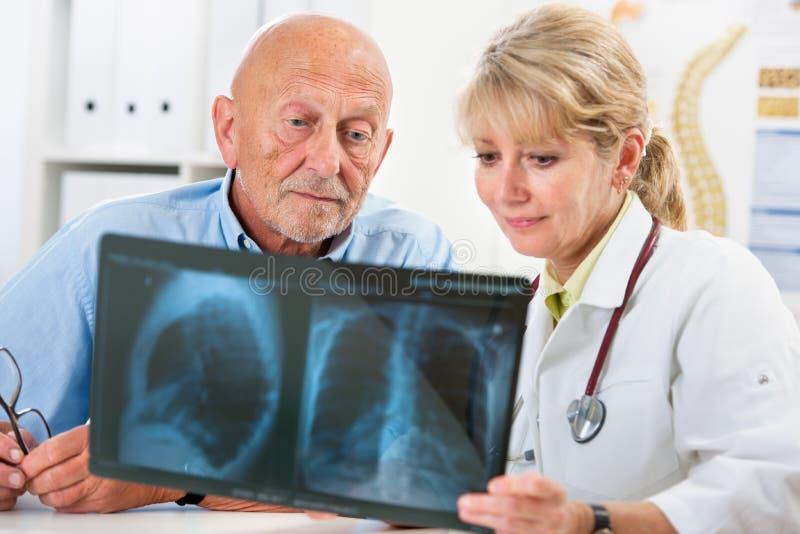 Examen médical photos stock