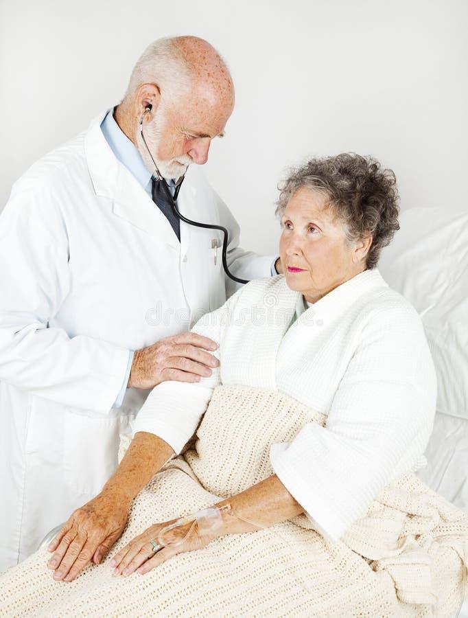 Examen médical complet image libre de droits
