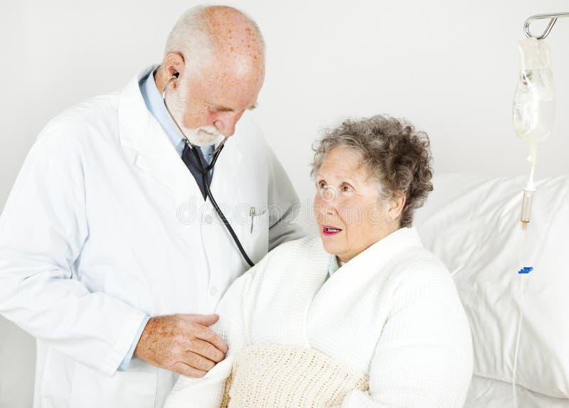 Examen médical d'hôpital image libre de droits