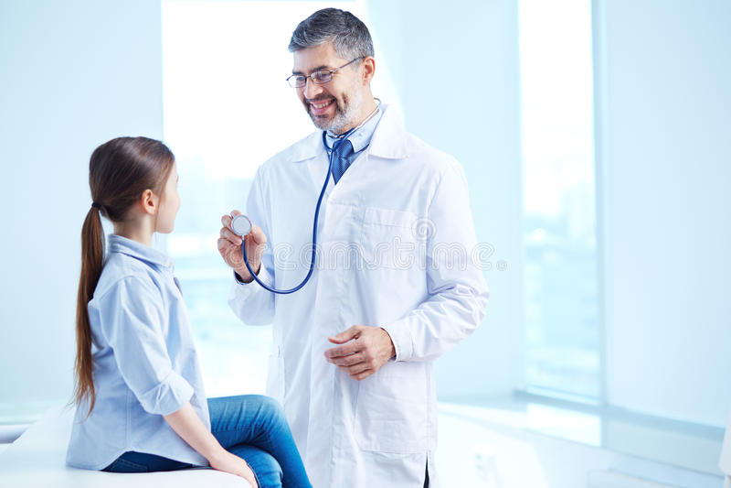Examen médico imagen de archivo