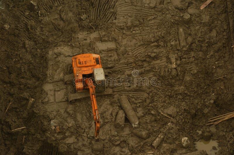 Excavador en foso fotografía de archivo