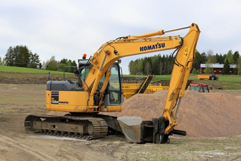Excavatrice hydraulique de KOMATSU sur le chantier images stock