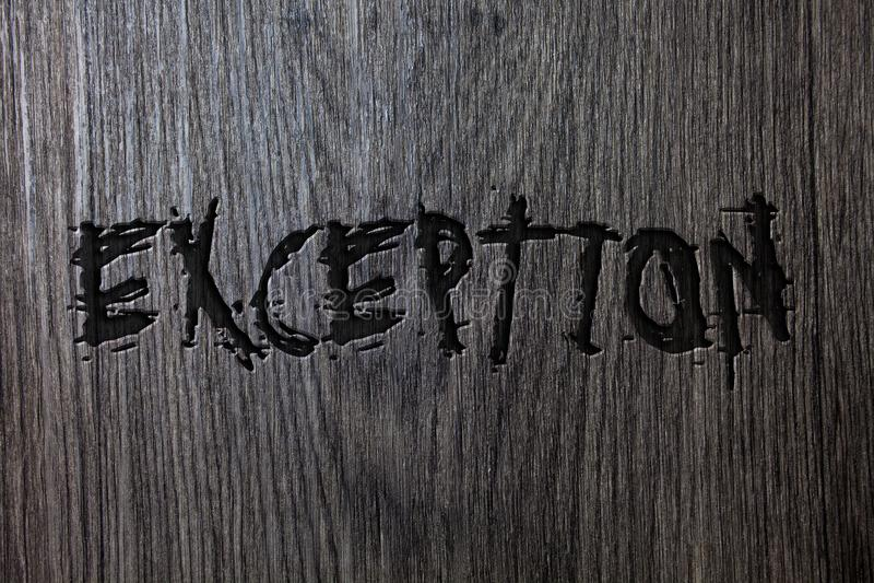 Exception des textes d'écriture de Word Concept d'affaires pour la personne ou la chose qui sont exclues du Ba en bois en bois di photo libre de droits