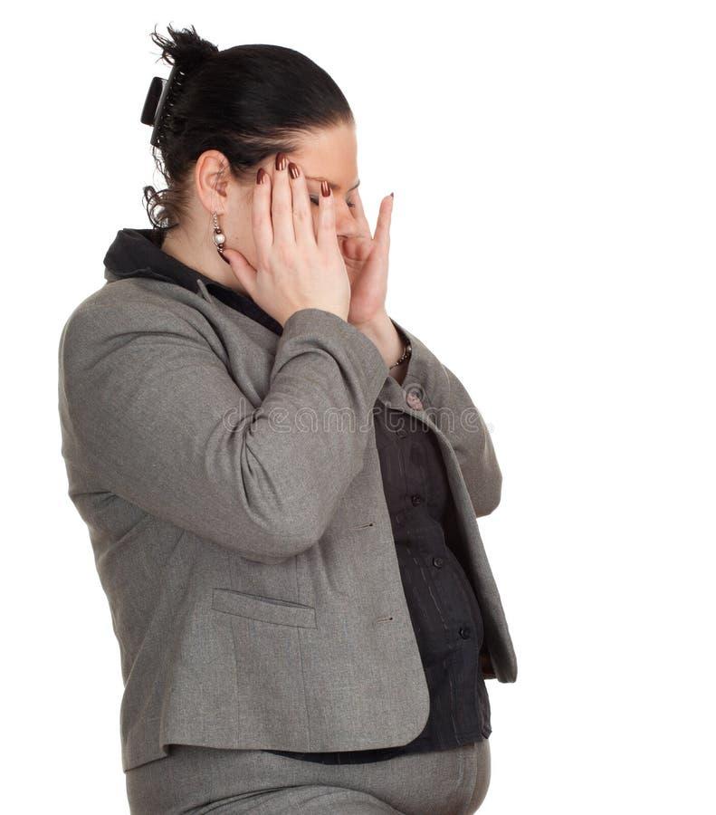 Excesso de peso, mulher de negócios gorda com dor de cabeça fotos de stock