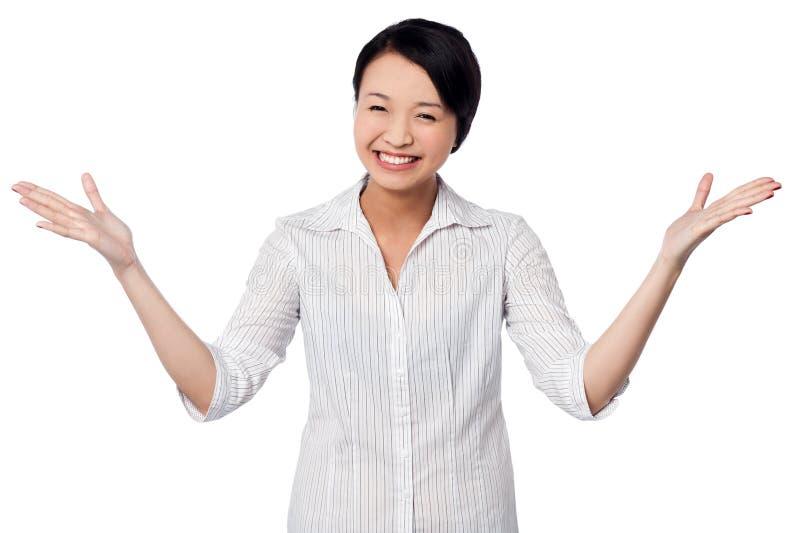 Excited женщина смеясь над heartily стоковое изображение rf