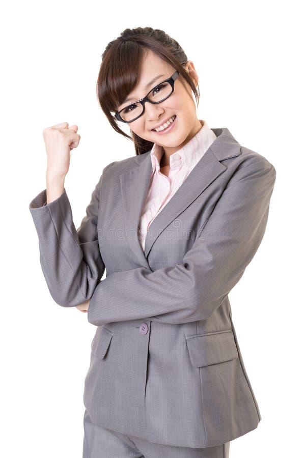 Exciting азиатская молодая женщина дела стоковые фотографии rf