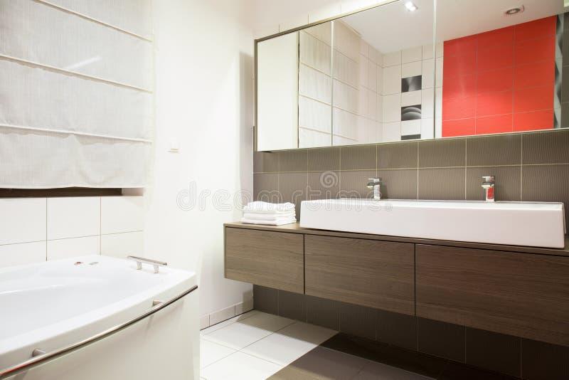 Exclusieve badkamers stock afbeelding. Afbeelding bestaande uit huis ...