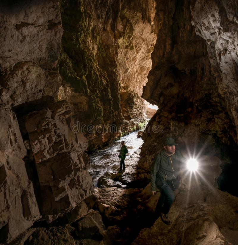 Excursão à caverna de Huagapo em Tarma, Peru imagem de stock royalty free