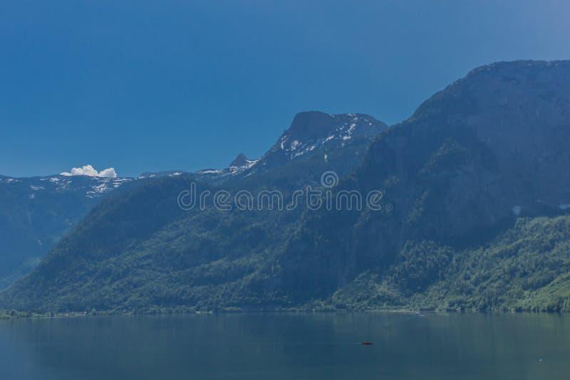 Excursão bonita da exploração ao longo dos montes alpinos de Berchtesgaden - Schoenau é Koenigsee imagens de stock