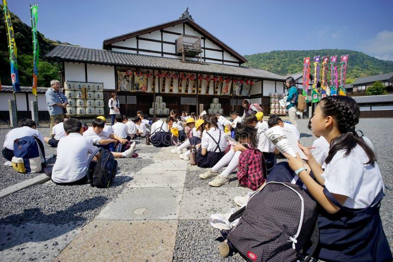 Excursão de uma escola primária japonesa foto de stock