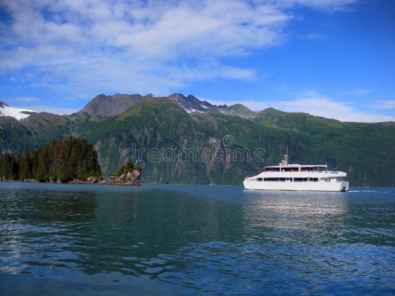 Excursão do barco através dos estreitos de Valdez fotografia de stock royalty free