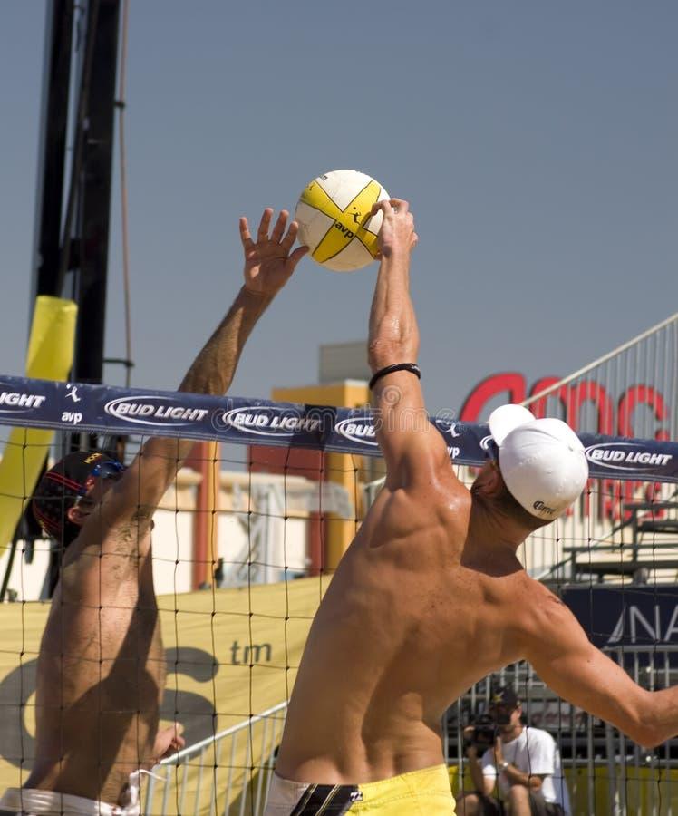 Excursão do voleibol de AVP Crocs fotos de stock royalty free