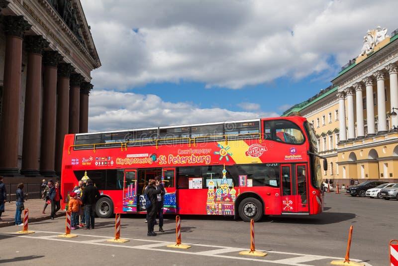 Excursiebus stock afbeeldingen