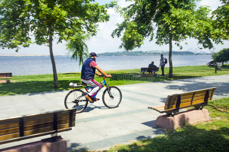 Excursion by bicycle around the lake royalty free stock photography