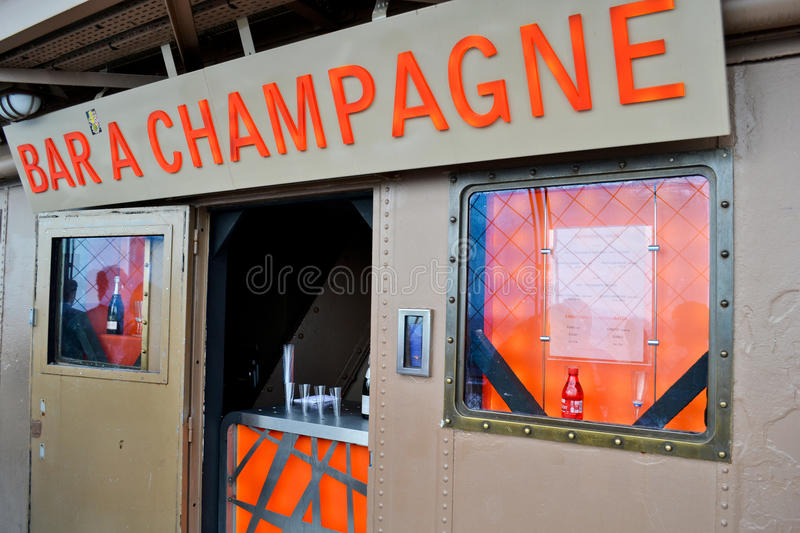 Excursion Eiffel de bar de Champagne photo stock