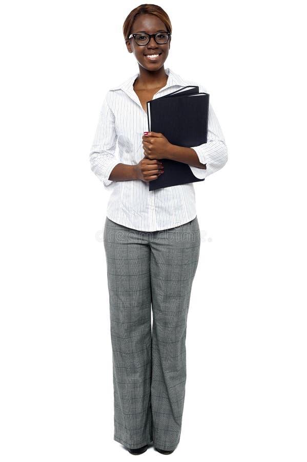 Download Executivo De Mulher Africano Pronto Para A Apresentação Imagem de Stock - Imagem de executivo, carregar: 26509983
