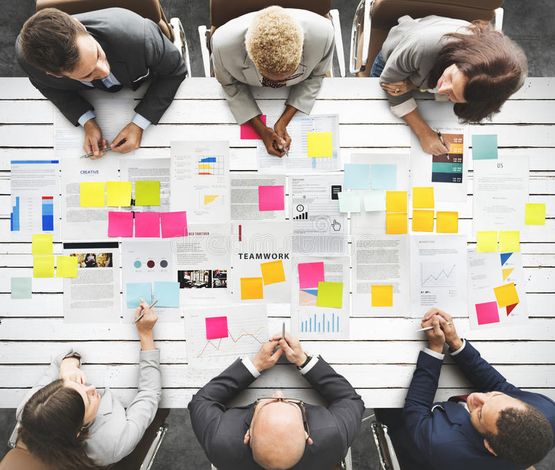 Executivos do conceito diverso da reunião do clique fotografia de stock