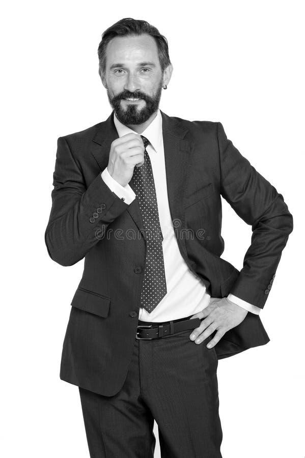 Executivos e conceito do escritório - homem de negócios de sorriso feliz no terno Homem de negócios farpado no terno e laço isola imagens de stock royalty free