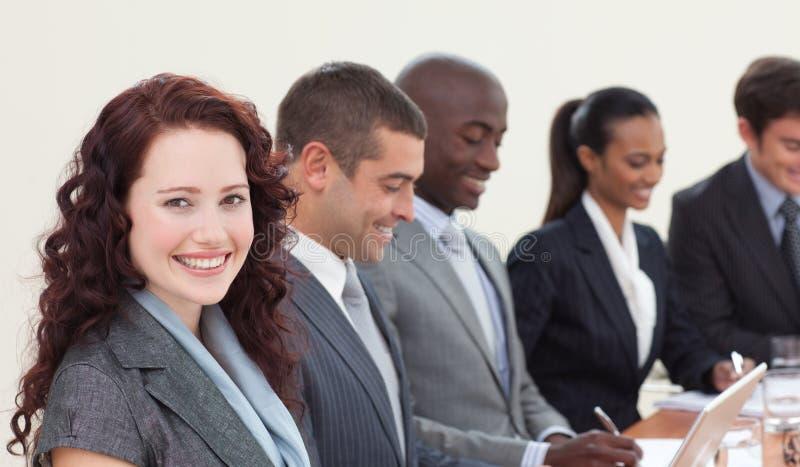 Executivos em uma reunião imagem de stock royalty free