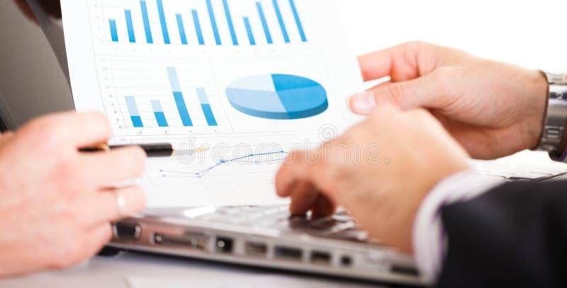 Download Executivos no trabalho imagem de stock. Imagem de incorporado - 29837833
