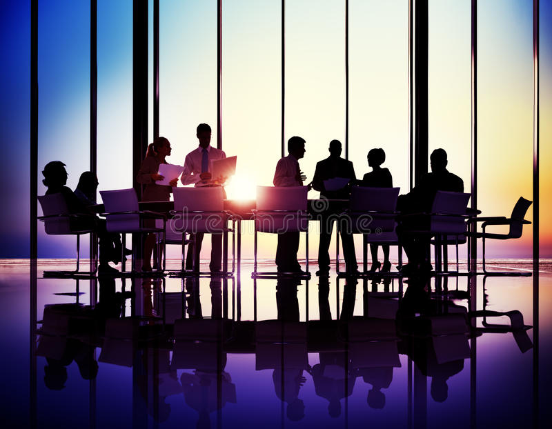 Executivos que encontram o conceito do escritório da apresentação fotografia de stock royalty free