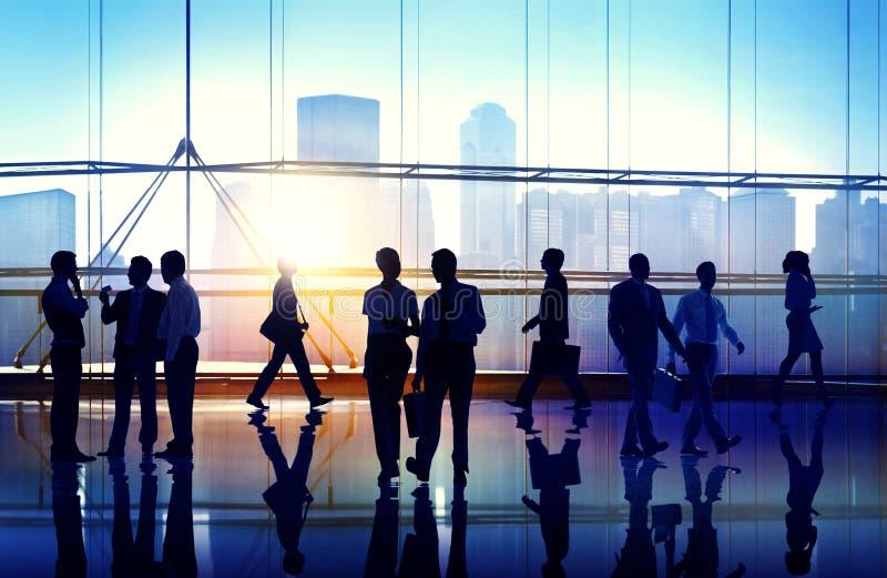 Executivos que encontram o conceito do escritório empresarial do seminário fotos de stock royalty free