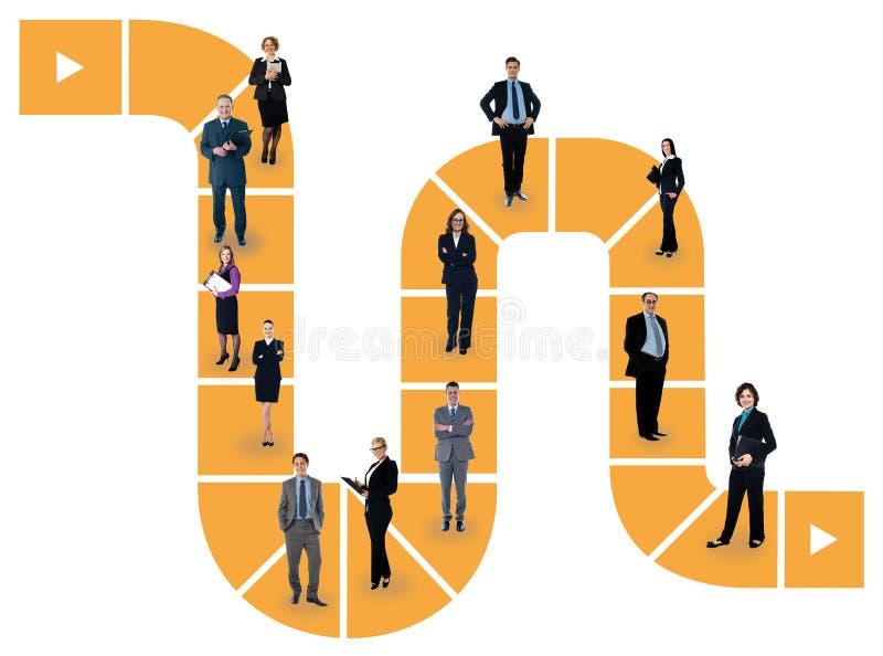 Executivos que estão em uma linha ilustração royalty free