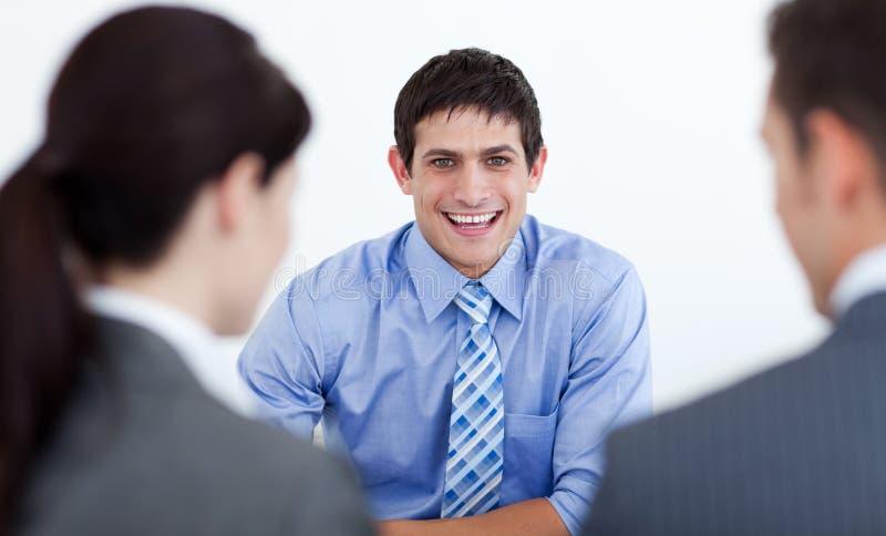 Executivos que têm uma entrevista de trabalho imagens de stock