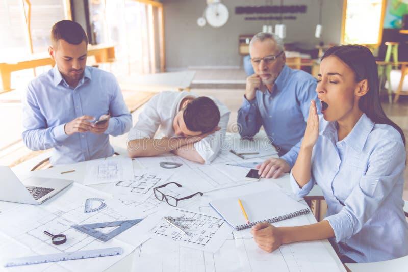 Executivos que trabalham junto foto de stock