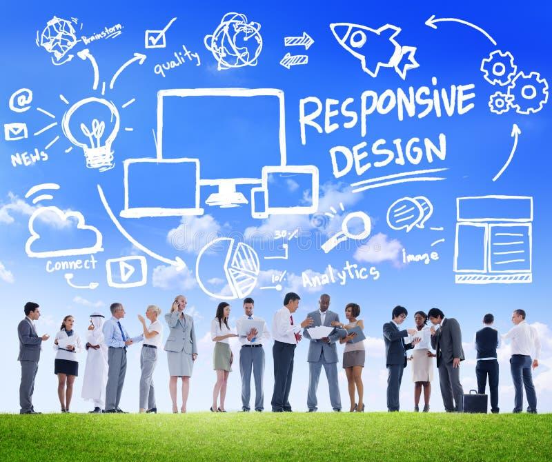 Executivos responsivos de uma comunicação da Web do Internet do projeto fotos de stock