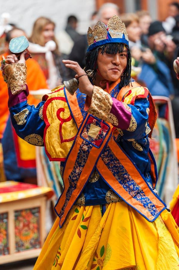 Executor no festival tradicional da cultura de Jakar Dzong em Bumthan fotos de stock