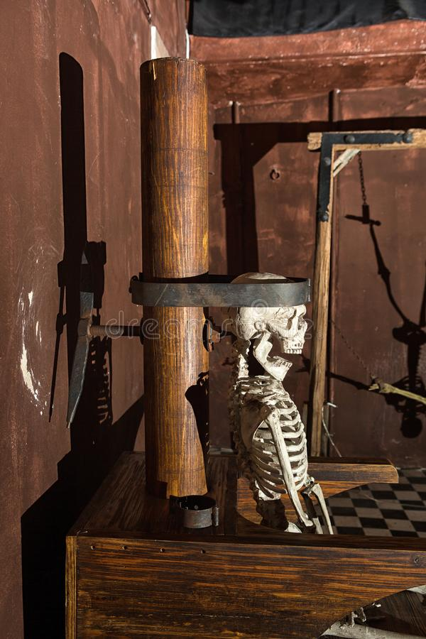 Exempelskärm på tortyr- och räfstmuseet royaltyfria bilder