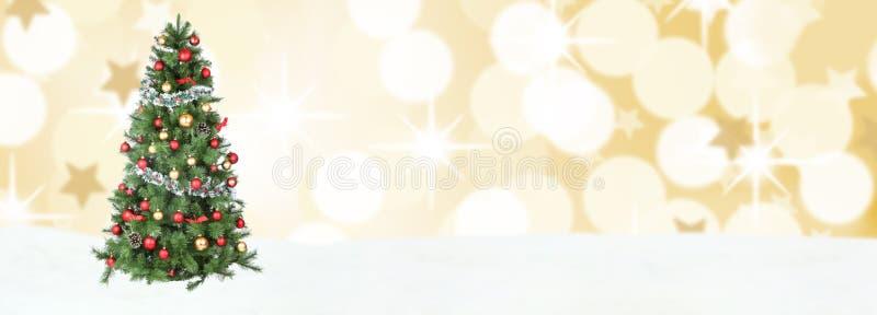 Exemplaar kerstboom van de achtergrondsneeuw het gouden decoratie copyspace royalty-vrije stock afbeelding