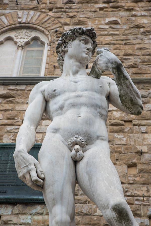 Exemplaar van Michelangelos David op Piazza della Signorina in Flo stock foto's
