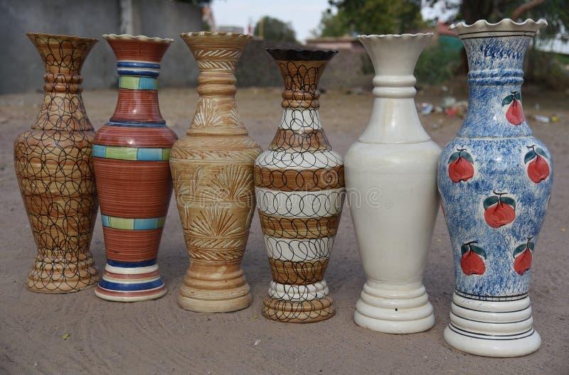 Exemplos coloridos cerâmicos ( bouquets) , Bikaner, Rajasthan, Índia foto de stock royalty free