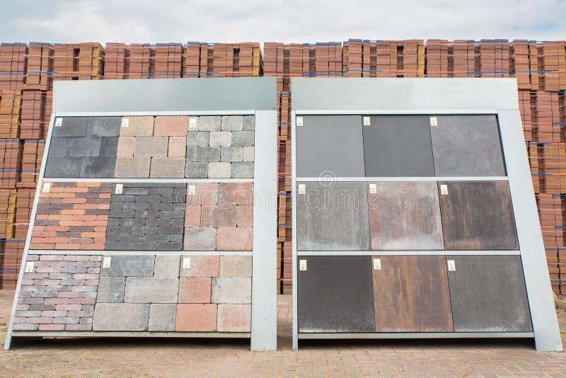 Exemplos da pavimentação decorativa imagem de stock