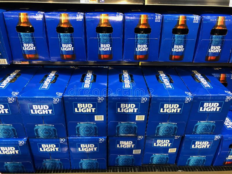 Exemplos de Bud Light Beer imagem de stock