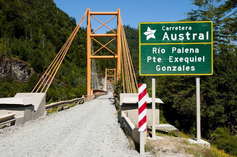 Exequiel Gonzales Bridge - Austral Carretera - Chile arkivbild