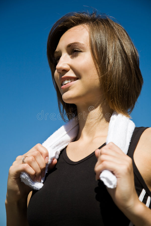 Exercício caucasiano desportivo da menina foto de stock