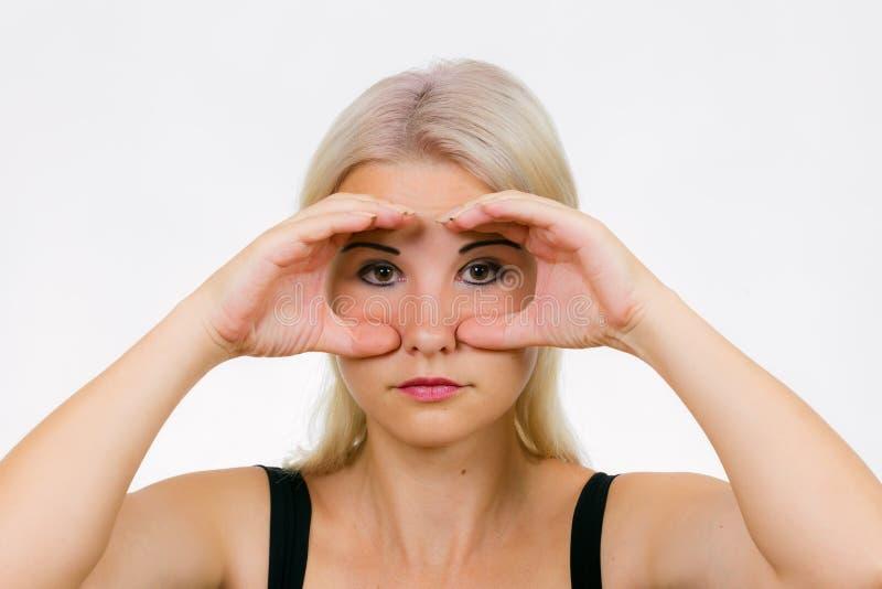 Exercício da cara para a coruja das mulheres foto de stock royalty free