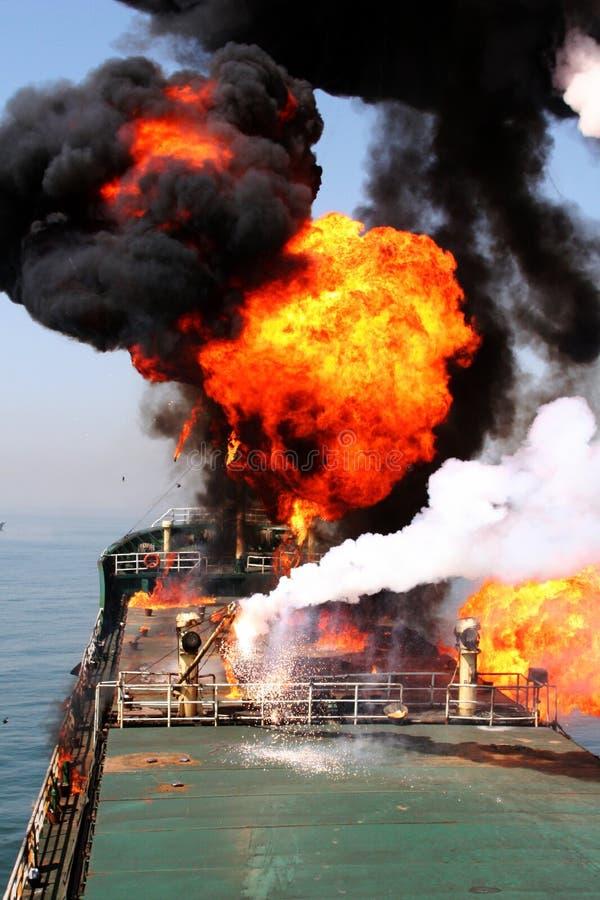 Exercício da contingência do derramamento de petróleo fotografia de stock