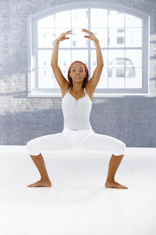 Exercício do dançarino de bailado imagem de stock