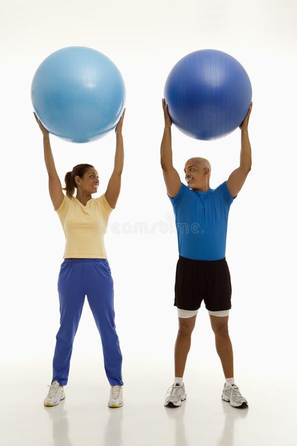 Exercício do homem e da mulher. imagem de stock royalty free