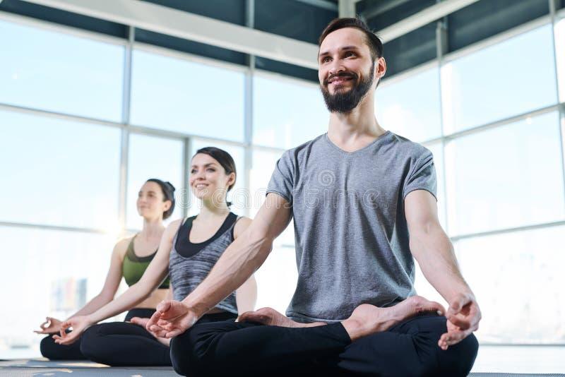 Exerc?cio da ioga fotos de stock royalty free