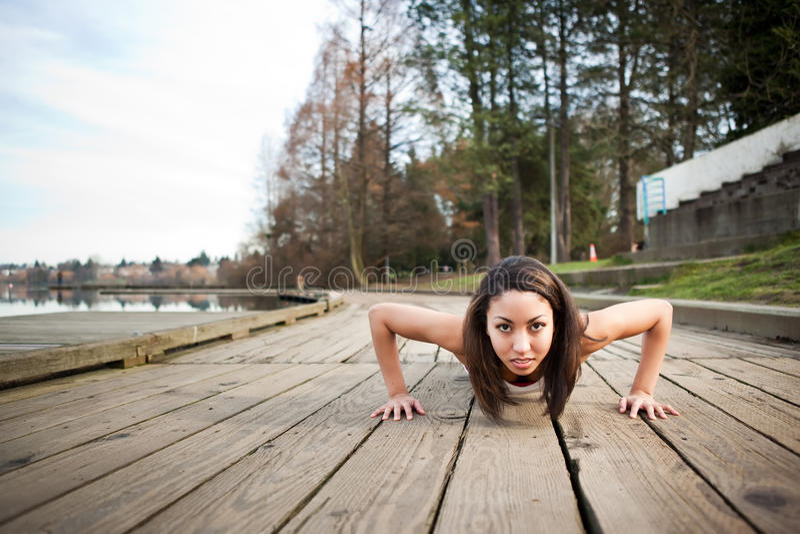 Exercice de femme images stock