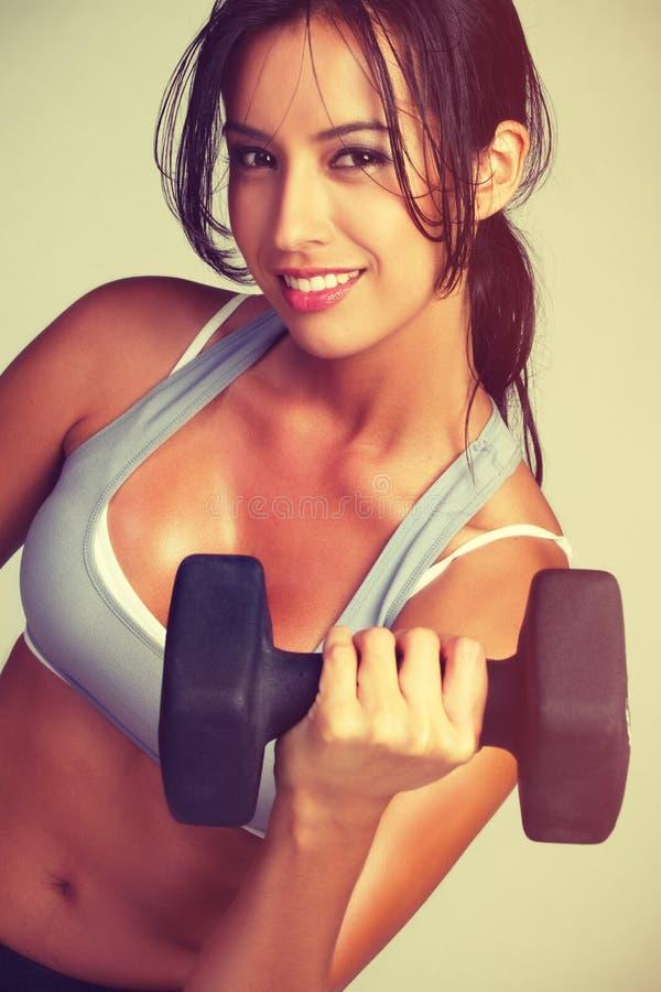 Exercice de femme de forme physique photo stock