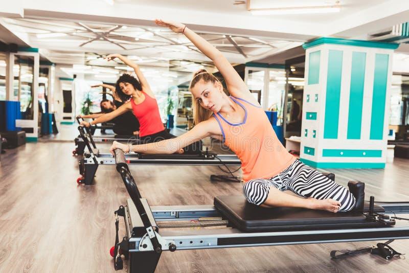 Exercice de femmes photos stock