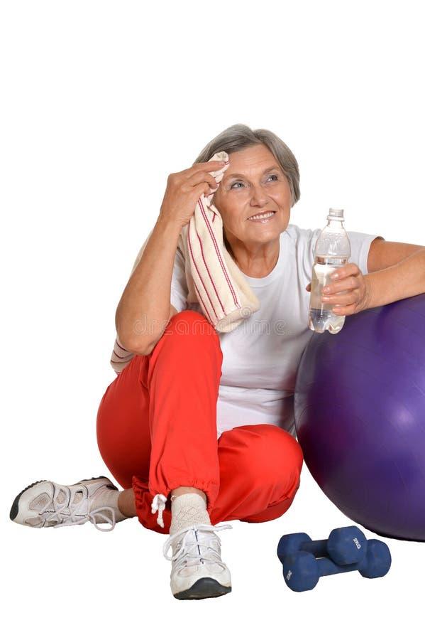 exercice de la femme aînée images stock