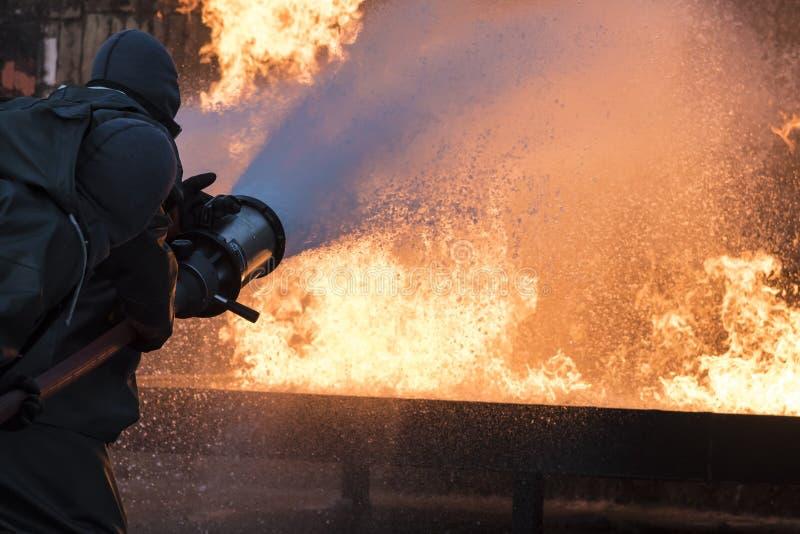 Exercice de lutte contre l'incendie de base images libres de droits